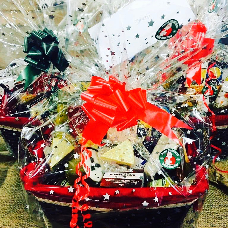 Christmas Hamper Basket.Luxury Local Christmas Hamper
